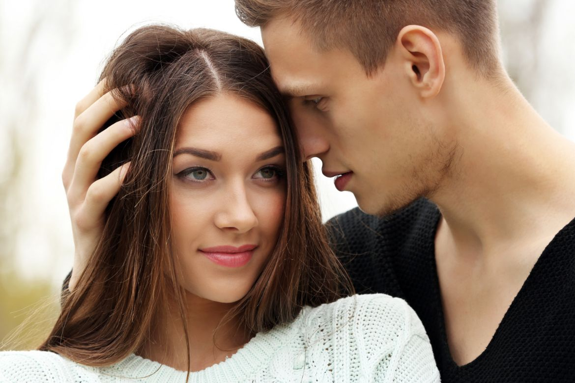 What it means if a guy touches your hair | Body Language